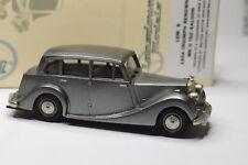 LANSDOWNE LDM 8 1954 TRIUMPH RENOWN MKII TDC SALOON 1/43