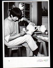 CHEVAGNY-sur-GUYE (71) Marie MILER , POTIERE au travail POTERIE 1991 FAGE 91.388