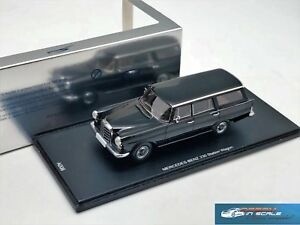 Mercedes Benz 220 W110 Universal  black Spark/Adler A006 1:43
