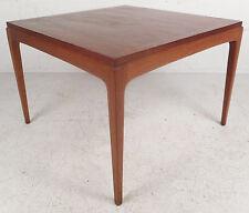 Mid-Century Modern Walnut End Table by Lane Furniture (5967)NJ