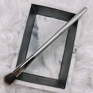 IT Cosmetics airbrush #103 concealer / eyeshadow blending brush *new