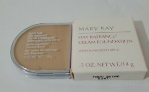 Mary Kay Day Radiance Cream Foundation FAWN BEIGE 6301 New In Box