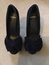 Brand new elegant Purple suede Carvela high heels with bow front Size 4