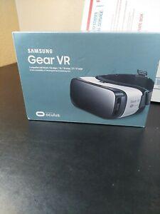 Samsung Oculus Gear VR Headset - Frost White (SM-R322NZWAXAR) - BRAND NEW