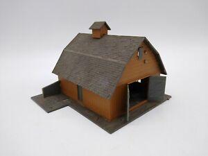 Pola Farm Barn - OO/HO - Missing Parts (see description)