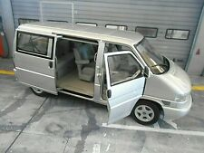 VW Volkswagen Bus T4 T4B 1990 silber silver Caravelle 450041500 Schuco 1:18