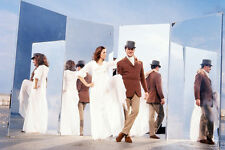 Diana Rigg, Patrick Macnee The Avengers 11x17 Mini Poster mirrors