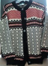 Vintage Dale of Norway 100% New Wool Cardigan  Sweater size: small (40)