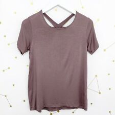 Beyond Yoga Tee Shirt Size XS Gray Short Sleeve Over Under Cut Out Keyhole Top