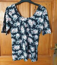Gorgeous H&M Divided black floral top size M - New with tags