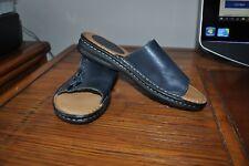 Minnetonka Womens Size 10M Navy Leather Shoes Sandals Slides 701040 EUC