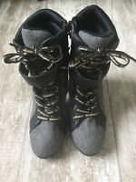 Juicy Couture Women's Gray & Black Ankle Bootie Heels Boots Shoes Size 8 1/2M