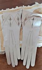 vêtement ancien - Ancienne paire de gants en peau beige - féminin