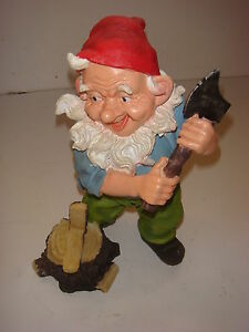 23cm MAD AXE GNOME - TRADITIONAL GARDEN ORNAMENT - GNOME WITH A CHOPPER !!!!!!!