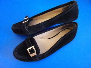 Michael Kors Black Leather Gold Tone Buckle Ballet Flats Sz 7.5 M Shoes Slip On
