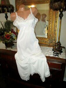 Vintage White slip tailored satin Taffeta Something Blue 60s white Slip Vintage Wedding slip blue applique flowers side zipper M