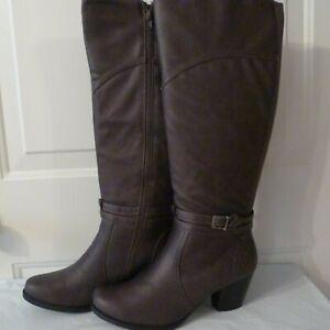 NIB Baretraps Rhodes Vegan Dark Gray Stacked Heel Boot sz US 10M