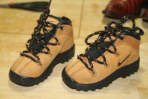 VINTAGE 1998 NIKE ACG LEATHER HIKING WHEAT BOOTS TODDLER SIZE 5C