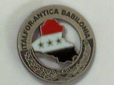 DISTINTIVO METALLO MISSIONE DI PACE ITALFOR ANTICA BABILONIA IN IRAQ SPILLA IRAK