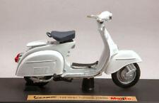 Vespa Piaggio 125 Gran Turismo 1966 White 1:18 Model 5082W MAISTO
