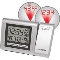 RADIO CONTROLLED ELECTRIC ALARM CLOCK - PROJECTS TO WALL OR CEILING