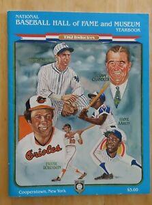 82 HOF Baseball Yearbook TRAVIS JACKSON HAPPY CHANDLER FRANK ROBINSON HANK AARON