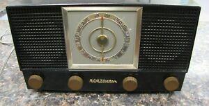 Vintage RCA  6-XF-9 Victor 1954  AM/FM tube radio