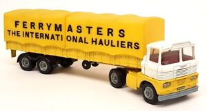 Corgi Major Vintage Scammell Ferrymasters International Hauliers Covered Truck