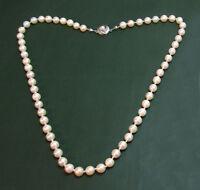 Sehr schöne alte PERLENKETTE m. 585er Gold-Schließe • 46 cm • Akoya-Perlen