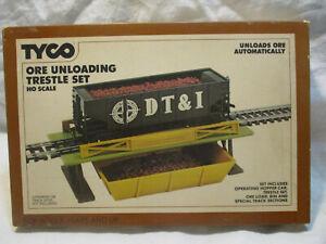 "Vintage Tyco Hopper Car Unloading Set HO  NEW  ""DT&I"" with coal"
