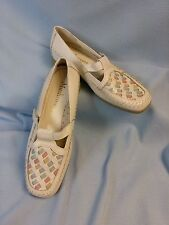 Mushrooms Size 7.5 White Pastel Weave Toe Leather T Strap Mary Jane Womens Shoes