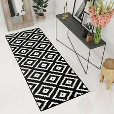 Hallway Runner Rug in Black White Diamond Geometric Pattern High-Quality Carpet