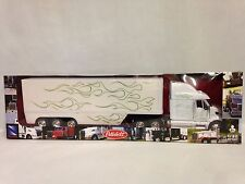 Peterbilt 387 Pot Belly Dry Van Trailer, Collectible,1:32 Diecast New Ray, White