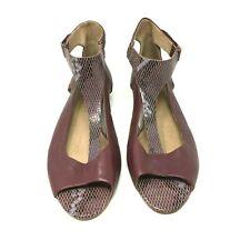 TSUBO Gerri Snake T-Strap Sandal in a Color Ugandan in a Size: 11 US