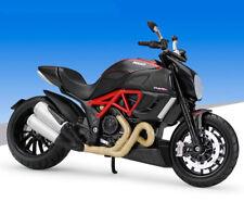 Maisto 1:12 Ducati Diavel Carbon Motorcycle Bike Model New  Black
