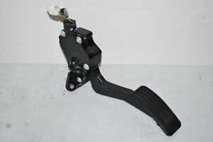 2014 - 2018 Subaru Forester Accelerator Gas Pedal Assembly OEM