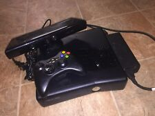 *GREAT* Xbox 360, 4GB Storage with Controller, Kinect, and Power Cord.