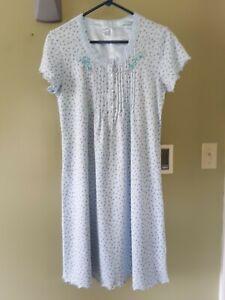 Secret Treasures Sleepwear Women Size S Small (4-6) Nightgown Pajama Embroidered
