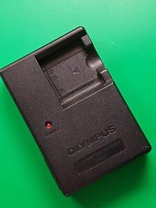 Genuine Olympus LI-40C Camera Charger Power Adapter 4.2v 200mA, 2w 0.03A