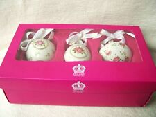 ROYAL ALBERT CHRISTMAS DECORATIONS BAUBLES SET OF PINK ROSES OLD COUNTRY ROSE