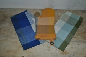 Threshold  Oven Mitt, Two Hand Towels For A Lot Of Three Made In India