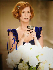 CYNTHIA NIXON - SEX AND THE CITY ACTRESS - BRILLIANT SIGNED COLOUR PHOTO
