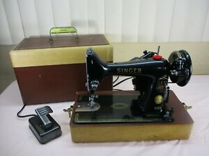 Vintage 1957 Singer 99K Portable Sewing Machine w/Case Great Britain WORKS GREAT