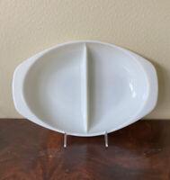 PYREX Serving Dish Divided Oval Milk Glass White 1063 1.5 Quart USA VINTAGE EUC