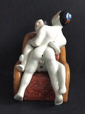 Erotika Porzellanfigur Liebespaar am Boden  gestempelt