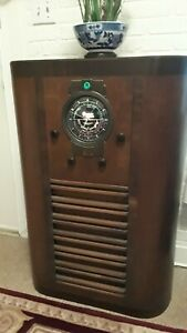 Grunow Console Radio Model 1191 Circa 1936 works well, restored. Pick up only.