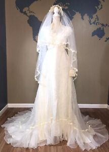 Vintage Bridal Originals Union Made Wedding Dress and Veil Size 12 Long Sleeves