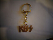 VINTAGE KISS KEYCHAIN FROM GUMBALL MACHINE KEY CHAIN