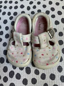Clarks girls doodles shoes size 4G