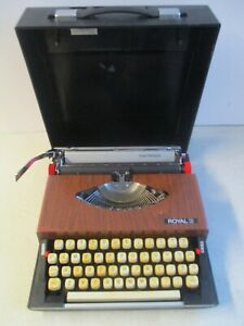 ROYAL 260 TRAVEL TYPEWRITER WITH AM RADIO CASE TESTED WORKING